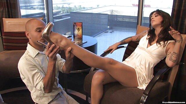 Hollie Mack es follada por su videos y peliculas x padrastro