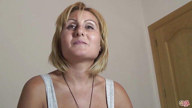 2 hermosas chicas de Europa del Este quieren convertirse en pelicula x completa en español estrellas del porno