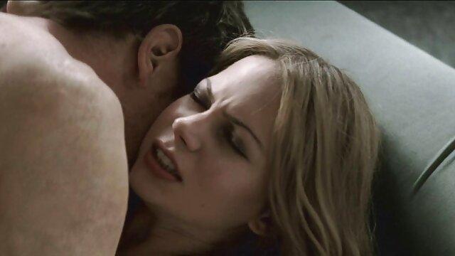Impresionante morena follada cine x en español online salvajemente