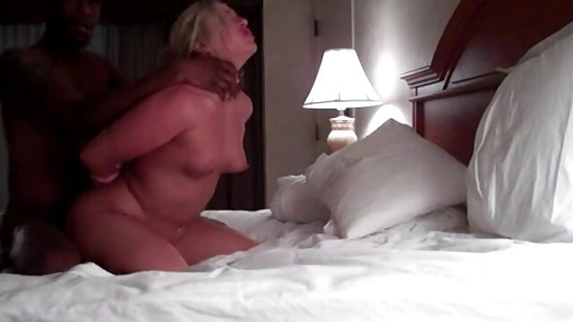 Sophia Leone se pone dura sexo en vivo triple xxx follando
