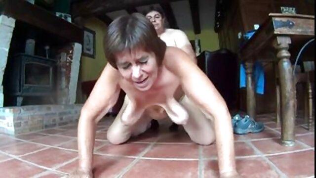 hermosa haciendo selfies con novio.mp4 películas pornográficas 5x