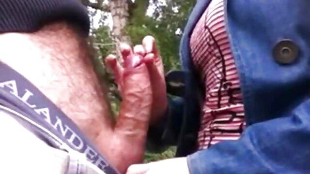 VirtualTaboo.com Mamá se folla al niño mientras el peliculas x 18 abuelo duerme