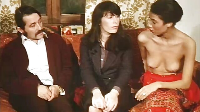 Elena Koshka ver videos x online penetrada por el strapon de Cherie DeVille