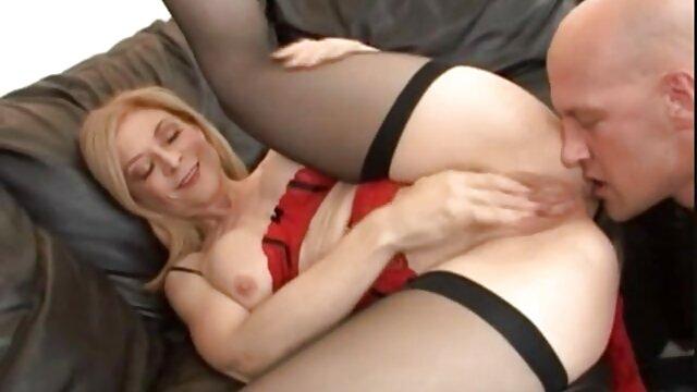Hermosa modelo de casting follada con los dedos peliculas x de gordas por una agente lesbiana