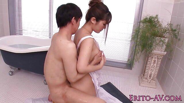 Rubia sumisa x peliculas eroticas madura en escena BDSM