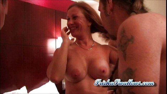 Morena peli x gratis masturbándose