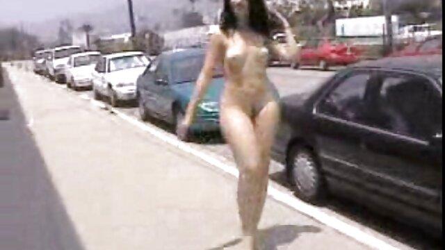 Twistys - Janice Griffith protagonizada por peliculas x amater Itsy-Bitsy Blue Bikini