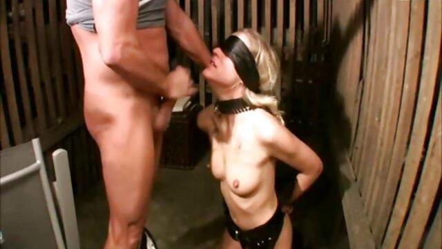 Givemepink parte de Sapphix presenta a Jazmine peliculas x travestis R masturbándose