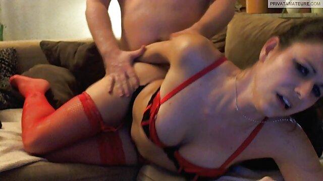 Dos mujeres se cruzan con peliculas x orgias 3 tipos. Resultado: Gangbang anal