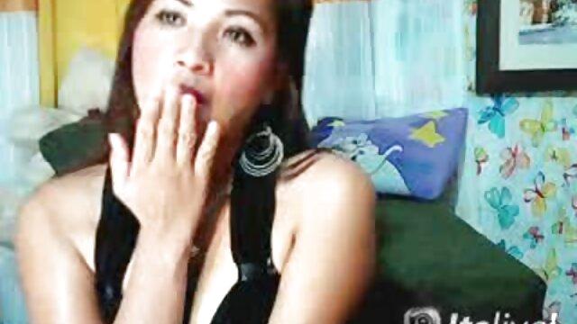 Madre peliculas x colombianas británica tetona follada por hijo en el patio trasero