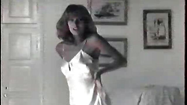 Deine Nina en ver vídeos triple x Sexy Unterwaesche!