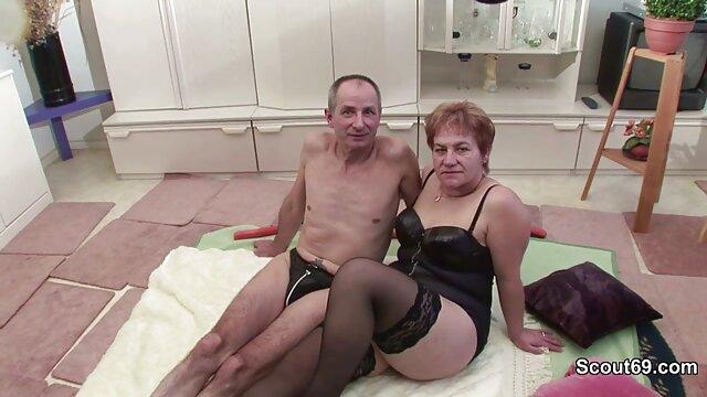 Esposado videos pornograficos para adultos xxx 18yo Pelirroja Puta BJ & Tragar