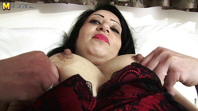 Big titty webcam slut jugando cine x gratis en la ducha