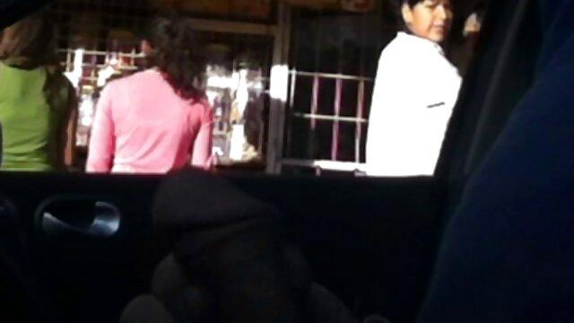 Adolescente tetona chupapollas filmada en un casting peliculas x nxx